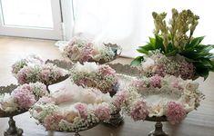 Engagement Gift Baskets, Wedding Gift Baskets, Wedding Boxes, Engagement Gifts, Diy Wedding, Wedding Gifts, Wedding Stage Decorations, Engagement Decorations, Bohemia Wedding