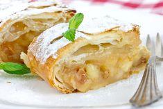 Lo strudel veloce con mele, uvetta e cannella è una variante del classico strudel di mele ancora più veloce da preparare. Ecco la ricetta