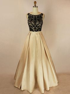 Ball Gown Scoop Neck Satin Floor-length with Beading Prom Dresses #UKM020104023