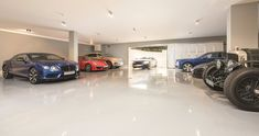 Dawn Hill – A Square Foot Newly Built Limestone Mega Mansion In Surrey, England - underground garage Garage Interior, Mansion Interior, Luxury Homes Interior, Garage House, Dream Garage, Car Garage, Big Mansions, Mansions Homes, Mansion Bedroom
