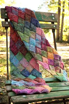 Free knitting pattern for Entrelac Scarf - great introduction to entrelac knitting and great use of multi-color yarn Manta Crochet, Knit Or Crochet, Crochet Scarves, Scarf Knit, Lace Scarf, Cable Knit Scarves, Crochet Geek, Sweater Scarf, Yarn Projects