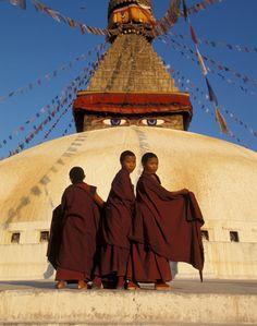 Niños nepalies en un templo de Katmandú. Foto:Archivo /Revista Susana