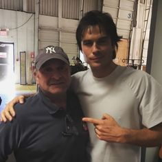 Ian Somerhalder - 13/01/17 - Here's a fun behind the scenes pic from my #TVD episode which AIRS TONIGHT. Here we see iansomerhalder with his new photo double, my dad!! https://twitter.com/drmattdambrosio/status/819966512286941184 - Twitter / Instagram Pictures