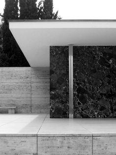 Mies Van Der Rohe - Barcelona Pavilion