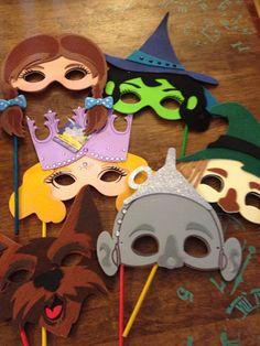Wizard of oz  mask/ photo prop by Pintrestmademedoit on Etsy, $34.50