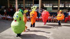 Convite de las frutas en lunes cívico