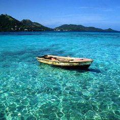 Mar de los siete colores!!! 9 #sanandres #isla #colombia #island #paradise #pic #fun #natural #beach #traveltime #traveling #rtw #travel #travelgram #followtravel #adventure #relax #agencytravel #amazing #realismomagico #love #sky #traveladdict #nofilter #happy