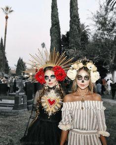 @AranzaDrive ❁ Cute Halloween Decorations, Halloween Costumes For 3, Halloween Inspo, Halloween Makeup Looks, Diy Costumes, Halloween Party, Xmas Party, Halloween 2020, Day Of Dead Costume