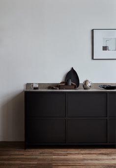 Nordiska Kök - Bespoke kitchen in dark oak. Nordiska Kök - kitchens to live in, unique and tailor-made to suit your life, today and tomorrow. For more kitchen inspiration visit www.nordiskakok.se #kitchen #bespokekitchen #blackkitchen #oakkitchen #interior #architect #grey #limestone #white #framekitchen #minimalism #minimalistic #wood #kitchendesign #kitchenideas #greykitchen #design #designtrends #beautifulkitchens