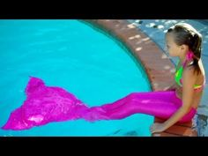 My friend Jenna is part of the SevenSuperGirls group on youtube and her video, Jenna is a Mermaid! is closing in on one million views.  Let's out her over the top.