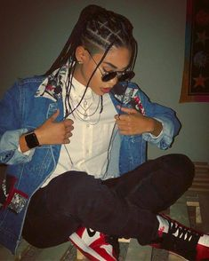 Box Braids with Shaved Sides: 21 Stylish Ways to Rock the Look Tomboy Outfits box Braids rock shaved sides Stylish Ways Lesbian Outfits, Tomboy Outfits, Swag Outfits, Cool Outfits, Tomboy Clothes, Androgynous Fashion, Tomboy Fashion, Streetwear Fashion, Fashion Outfits