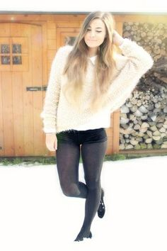 Not only is this CutiePieMarzia BUT SHE IS WEARING A BIG SWEATER! OMG I THINK IM GOING TO DIE! :3
