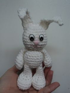Amigurumi To Go!: Little Bigfoot Bunny Crochet Pattern (easy amigurumi)