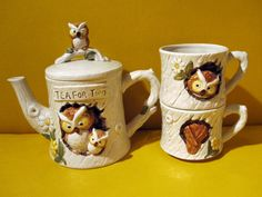Vintage owl tea pot and mug set.