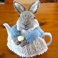 "1,310 Likes, 46 Comments - LuxeFibers & Wool (@luxefibers) on Instagram: ""Festive Friday: bunny rabbit cuteness ______________________________________________ Ravelry:…"""