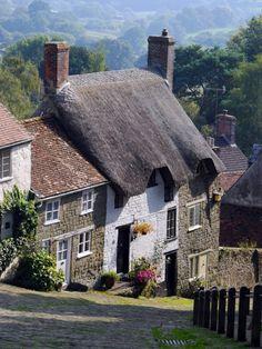 Gold Hill . Shaftesbury, Dorset, England