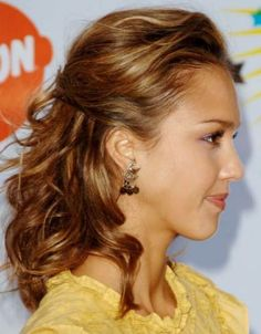 Wedding Hairstyles For Short Hair Half Up Pictures 2