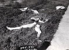 Elizabeth Short (the Black Dahlia). Her body was so mangled that when it was found in 1947 by Betty Bersinger, she originally mistook it for a store mannequin. Hollywood Homes, Old Hollywood, Morgue Photos, Mafia Crime, Creepy People, Old West Photos, Post Mortem Photography, Wow Facts, Black Dahlia