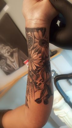28 best wrist cover-up tattoos images in 2018 Forearm Cover Up Tattoos, Cover Up Tattoos For Women, Wrist Tattoo Cover Up, Meaningful Wrist Tattoos, Flower Wrist Tattoos, Wrist Tattoos For Women, Leg Tattoos, Tattoo Arm, Tatoos