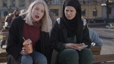 Noora& outfits from the TV-show SKAM. Series Movies, Movies And Tv Shows, Tv Series, Fashion Brenda, Love Fashion, Noora Style, Noora Skam, Sweaters And Jeans, Best Couple