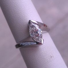 1CT Marquise Diamond - White Gold