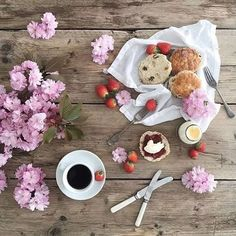 Foto #breakfast #coffee #style #lifestyle #wellness #tabletop #fresh #fruits