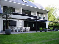 Great bicolor louvered patio cover Algarve by Ambassador Buerman from Sint Niklaas www.buerman.be