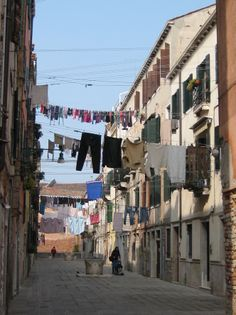 Washing lines in Castello