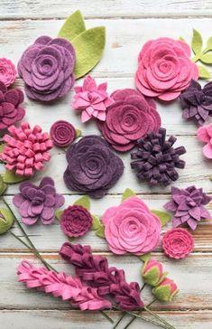 Felt Flowers Diy, Handmade Flowers, Fabric Flowers, Paper Flowers, Headband Tutorial, Flower Tutorial, Wool Felt Fabric, Felt Ornaments, Diy Wreath