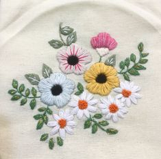 The Beauty of Japanese Embroidery - Embroidery Patterns Sashiko Embroidery, Hand Embroidery Flowers, Flower Embroidery Designs, Japanese Embroidery, Hand Embroidery Patterns, Embroidery Kits, Cross Stitch Embroidery, Embroidered Flowers, Embroidery Books