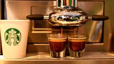 Acrylamid in Kaffee: Eine Starbucks-Filiale in Austin, Texas Starbucks, Fresh Roasted Coffee Beans, Coffee To Go, Dark Roast, Coffee Recipes, Austin Texas, Coffee Maker, Brunch, Gourmet