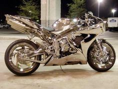 Yamaha YZF R1 in Silver Chrome ~wow!