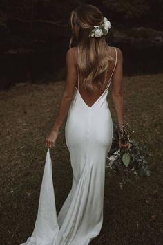 Simple, sexy and sleek silk. Summer is The One. Dream Wedding Dresses, Bridal Dresses, Wedding Gowns, Girls Dresses, Flower Girl Dresses, Bridesmaid Dresses, Formal Dresses, Weeding Dresses, Wedding Hair