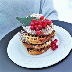 Saaranlautasella: Köyhät ritarit vohveliraudalla Pancakes, Breakfast, Blog, Morning Coffee, Pancake, Blogging, Crepes