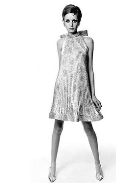 An photo old from memory of times; yes she is #Twiggy like #fashionrevolution
