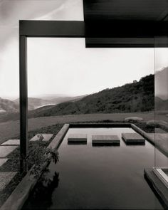 Richard Neutra, Singleton House, Los Angeles, California - photo by Julius Shulman