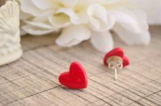 Red heart earrings (polymer clay) - Earrings studs by MariposaCreazioni #italiasmartteam #etsy