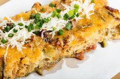 Cheesy Garden Zucchini Casserole Used yellow squash, broccoli, carrots and topped with crushed croutons. Family loved it. Zucchini Casserole, Vegetable Casserole, Casserole Recipes, Chicken Casserole, Low Carb Recipes, Cooking Recipes, Healthy Recipes, Vegetable Recipes, Vegetarian Recipes