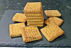Healthy Sweets, Baby Food Recipes, Biscuit, Waffles, Deserts, Bread, Breakfast, Sweets, Recipes For Baby Food