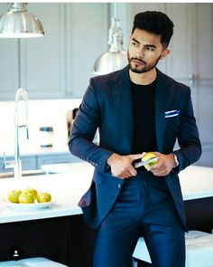 One of the best sweaters a man can wear is the turtle neck. It structures your jawline and makes you look about 20 IQ points smarter… Blazer And T Shirt, Blazer Outfits Men, Mens Fashion Blazer, Men's Outfits, Trendy Mens Fashion, Stylish Men, Men Casual, Teaching Mens Fashion, Bad Boy Style