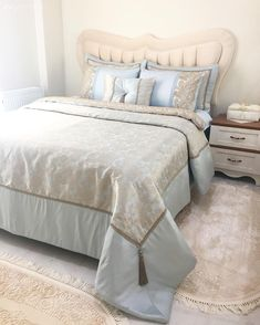 Bedroom, Bedspread, Blue, Headboard, Quilted headboard We share many pictures about Blue Bedroom. King Bedding Sets, Blue Bedding, Blue Bedroom, Comforter Sets, Bedroom Decor, Quilted Headboard, Blue Headboard, Interior Design Tools, Headboards For Beds