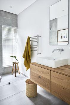 Jeeves: Chic Heated Towel Rail Trends For The Perfect En-Suite Bathroom Bathroom Niche, Bathroom Red, Small Bathroom, Bathroom Towel Rails, Bathroom Laundry, Modern Bathroom, Bathroom Ideas, Bathrooms, Home Remodeling Diy