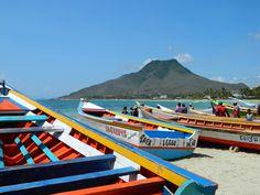 Playa El Tirano, Isla de Margarita, Venezuela Venezuela Beaches, Travel Around The World, Around The Worlds, Popular Holiday Destinations, Caribbean Sea, West Indies, Central America, Beautiful Landscapes, Beautiful Places