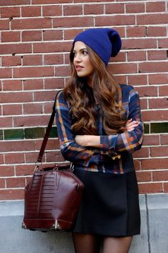 Love this style...don't know if I could pull the hat off.....love the purse!
