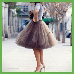 Yuppies Fashion 5 Layers 55cm Tutu Tulle Skirt Vintage Midi Skirt Pleated  Skirts Womens Lolita Petticoat 809ff502a895