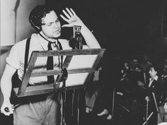 "Orson Welles' claim to fame came with the CBS radio drama ""War of the Worlds"" based on the novel of H.G. Wells. The 60 minute episode about an alien invasion by Martians was broadcasted as a series of ""news bulletins"" read by Orson Welles on Halloween night 1938. Newspapers reported that panic ensued, with people across the Northeastern United States and Canada fleeing their homes. Some people called CBS, newspapers or the police in confusion over the realism of the news bulletins."