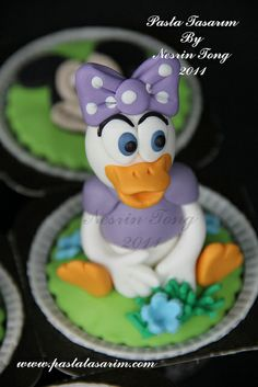 DISNEY CHARACTERS CUPCAKES- DAISY DUCK by CAKE BY NESRİN TONG, via Flickr
