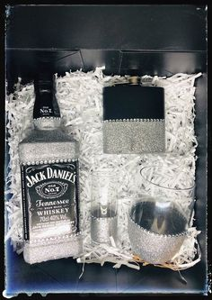 Glittering Gift Box Set - Jack Daniels, Bling Glasses and Hip Flask – KyCo Collective daniels bottle crafts diy Wine Glass Crafts, Alcohol Bottles, Liquor Bottles, Wine Gift Boxes, Wine Gifts, Jack Daniels Gifts, Geek Birthday, 21st Birthday