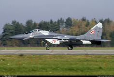 Polish Air Force Mikoyan-Gurevich MiG-29A Fulcrum 70 2960526370 Poznan-Krzesiny - EPKS