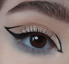 Edgy Makeup, Makeup Eye Looks, Eyeliner Looks, No Eyeliner Makeup, Makeup Inspo, Makeup Trends, Eyeliner Designs, Eyeliner Styles, Makeup Designs